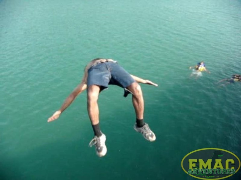 emac-cliff-jumping-at-khanpur-lake14
