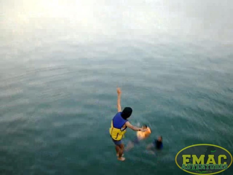 emac-cliff-jumping-at-khanpur-lake16
