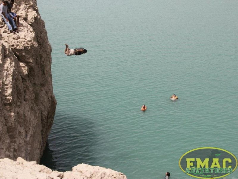 emac-cliff-jumping-at-khanpur-lake29