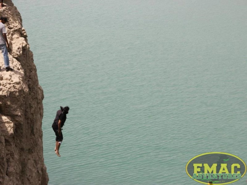 emac-cliff-jumping-at-khanpur-lake30