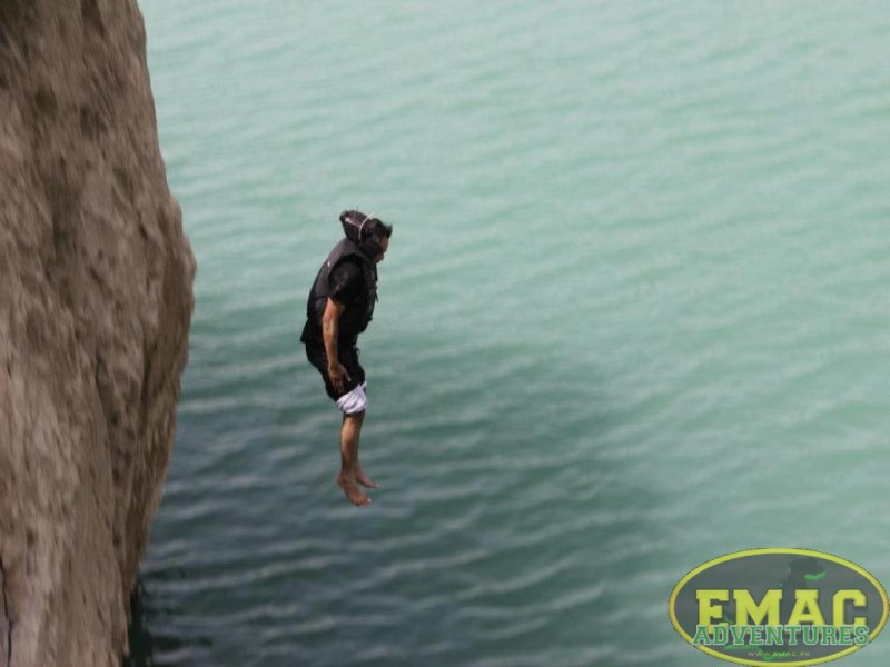 emac-cliff-jumping-at-khanpur-lake33