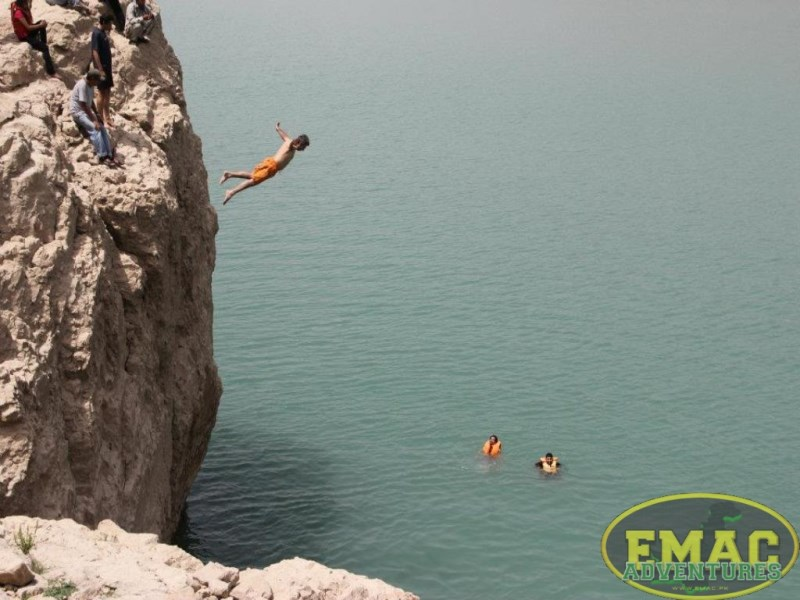 emac-cliff-jumping-at-khanpur-lake34
