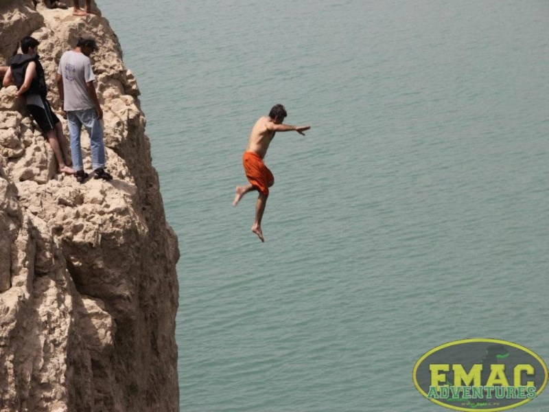 emac-cliff-jumping-at-khanpur-lake37