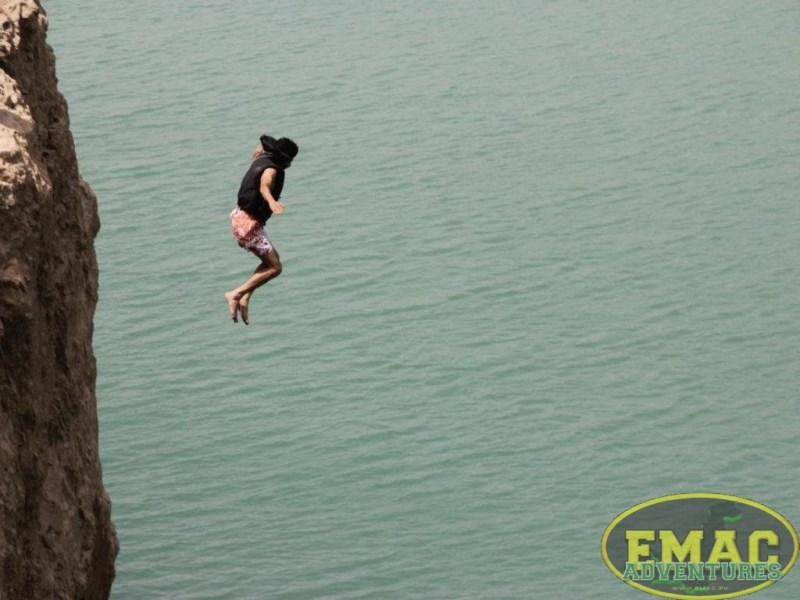 emac-cliff-jumping-at-khanpur-lake38