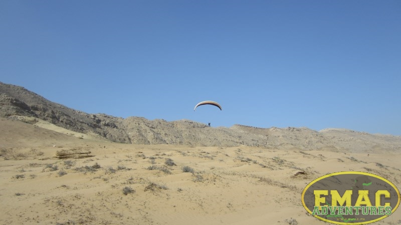 emac-paragliding-in-karachi615