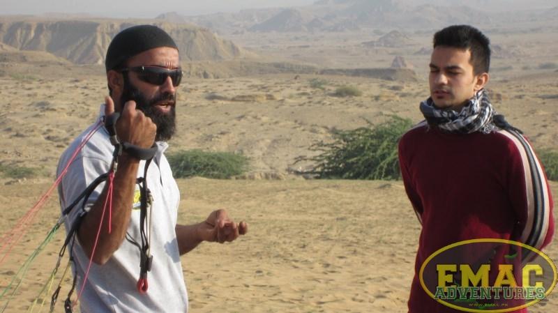 emac-paragliding-in-karachi928