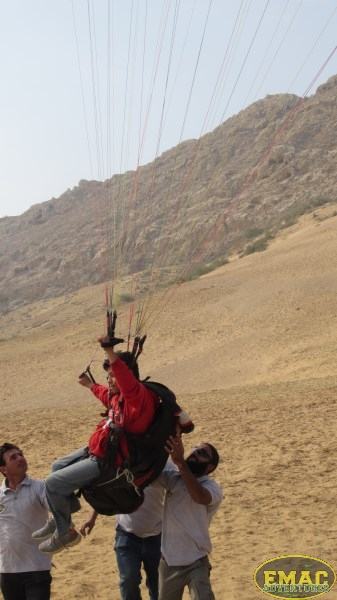 emac-paragliding-in-karachi951