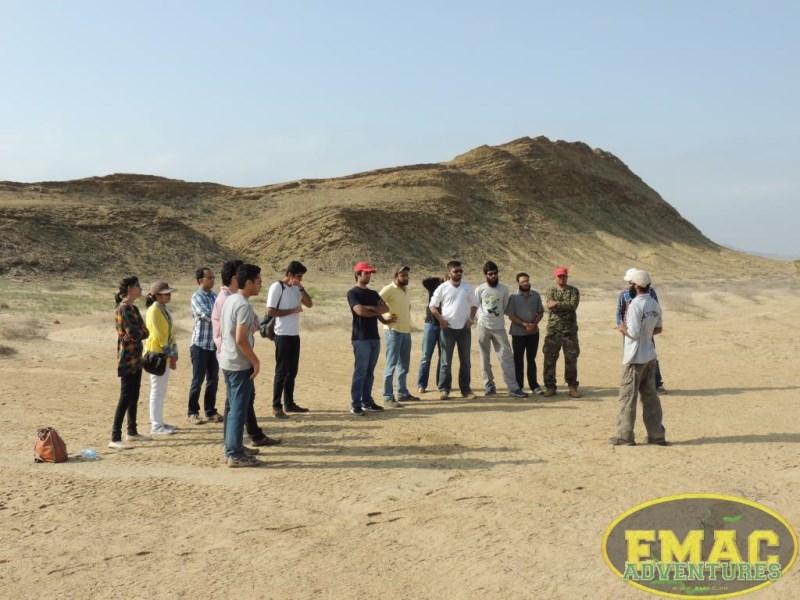 emac-paragliding-in-karachi1