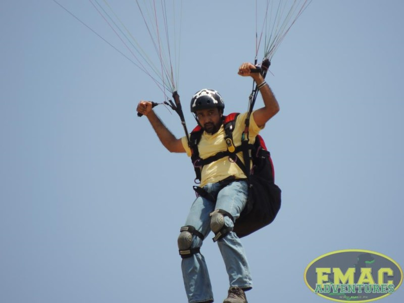 emac-paragliding-in-karachi13