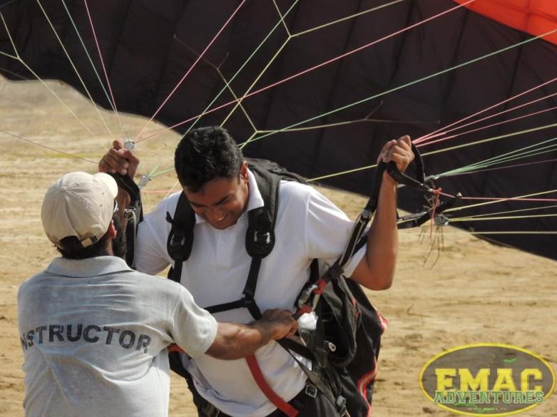 emac-paragliding-in-karachi15